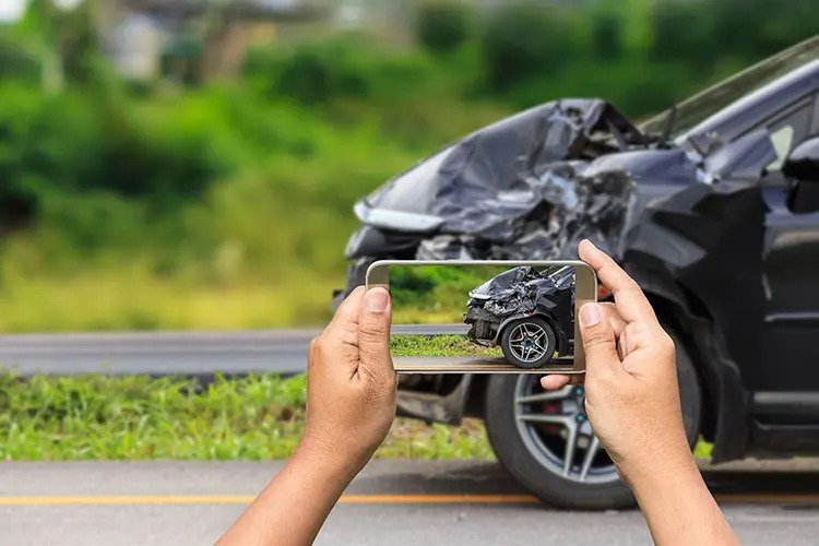 damage-vehicle-4